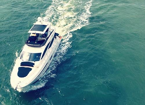 Location de bateau avec permis en Guadeloupe